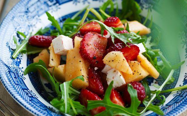 Jordbærsalat med limedressing