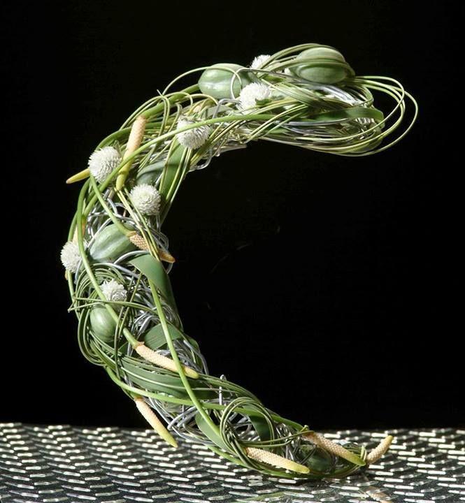 Floral arrsngement ~ Pim van den Akker • (Facebook, content no longer found)
