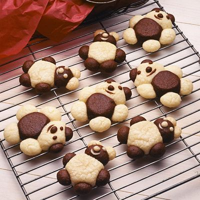 These teddy bear cookies look adorable -- and yummy.  How many different combinations could you make using just vanilla and chocolate dough?
