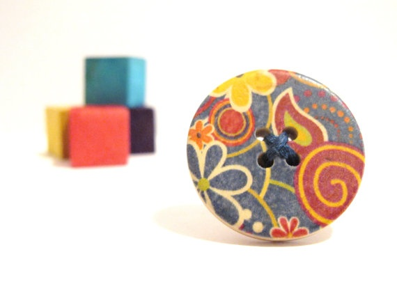 Colorful wood button ring