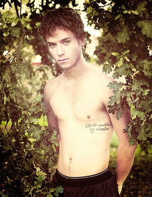 This is actor of Peter Pan all grown up! <3