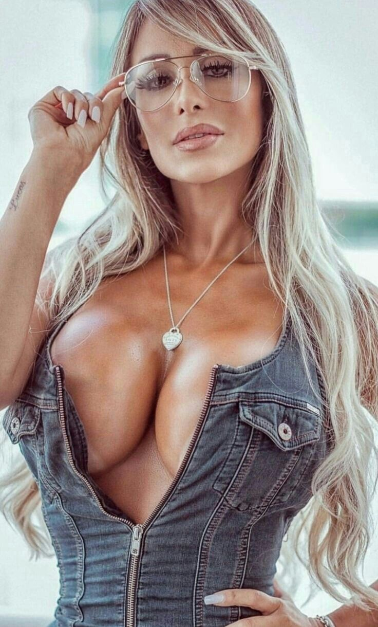 Pin By Don D Harrison On Mature Busty Girl Fashion Women