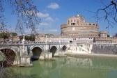 Vecchi edifici di Roma: Ponte e Castel Sant'Angelo stock photography