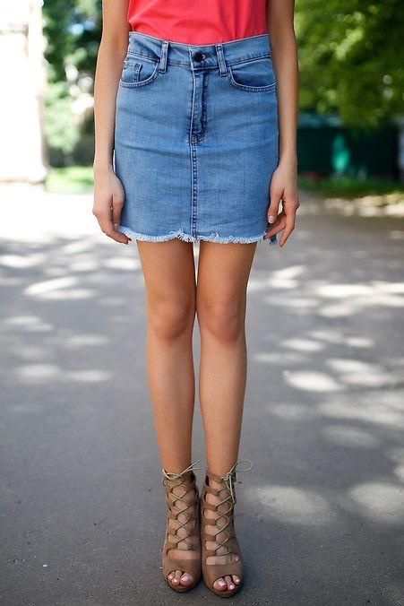 631233c6ebf Короткая джинсовая юбка с разрезами