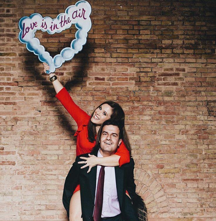 Nuestro photocall romántico es uno de los más demandados. Lo puedes alquilar para tu boda o evento al contratar a nuestros fotógrafos ¡o comprarlo para ti! ❤✨ . . . . . #bodas #bodasvalencia #bodasdeverdad #bodasfandi #wedding #weddingphotography #photography #bride #fotografía #novia #nupcial #bridal #fandi #love #couple #amor #photocall #romántico #atrezzo