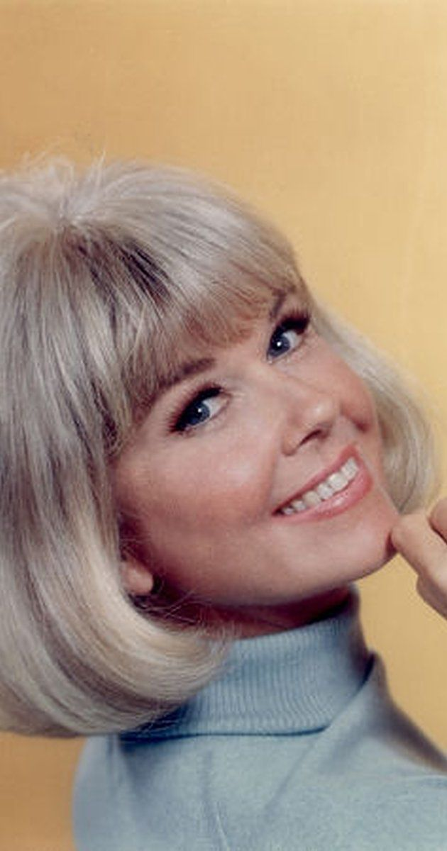 Doris Day, Soundtrack: The Doris Day Show. One of America's most popular actresses in the 1950s and 1960s, Doris Day was born Doris Mary Ann Kappelhoff in Cincinnati, Ohio, to Alma Sophia (Welz), a housewife, and William Joseph Kappelhoff, a music teacher and choir master. Her grandparents were all German immigrants. She had two brothers, Richard, who died before she was born and Paul, a few years older. Her parents divorced while she was ...