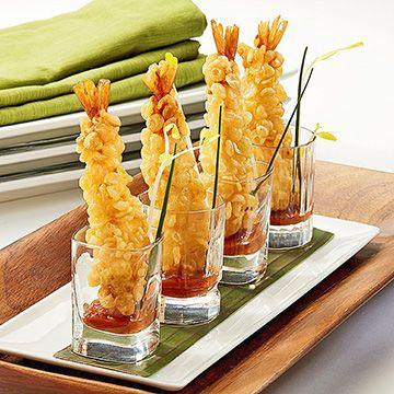 A stretched shrimp dipped in a traditional tempura batter, dusted in rice crisps for extra crunch.
