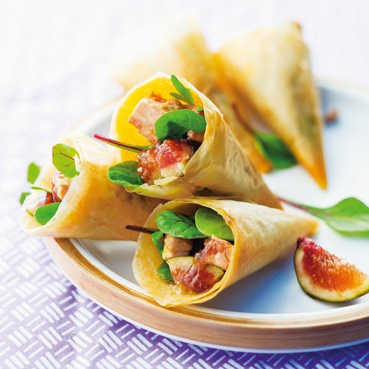 Recette de Cornets croustillants foie gras et figue. Il vous faut : pâte filo, foie gras mi-cuit, figues fraîches, confiture de figues, mesclun, margarine, huile de noisette, vinaigre balsamique