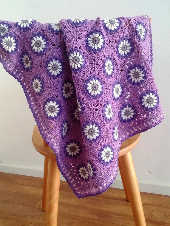 """Daisy garden"" baby crochet blanket, Granny square blanket; New Crochet pattern by BlageCrochetDesign on Etsy"
