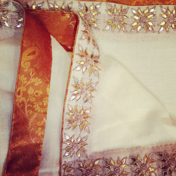 Arzoo gotapatti shawl-offwhite To order call 9958836354 Or write to us at hello@richadesigns.in