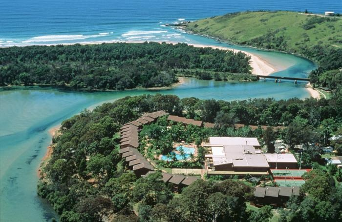 Boambee Bay Resort is located along the banks of the serene Boambee Waters and just a short stroll to the long white sands of Boambee beach. The resort is located only five minutes from the Coffs Harbour Airport and ten minutes from the centre of Coffs Harbour and is one of the most attractive holiday destinations on the NSW North Coast. Accommodation is set amidst luscious tropical gardens.
