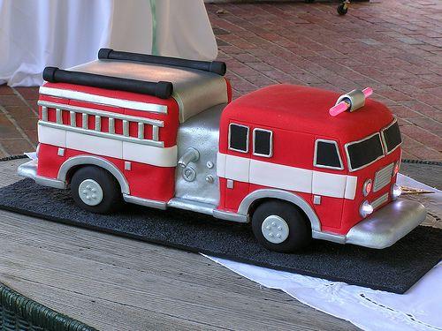 firetruck cake - so cute.... BUTit has to be a Neffs truck!