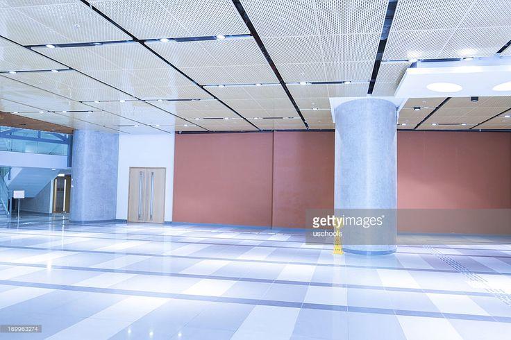 近代的なオフィス建物ロビー