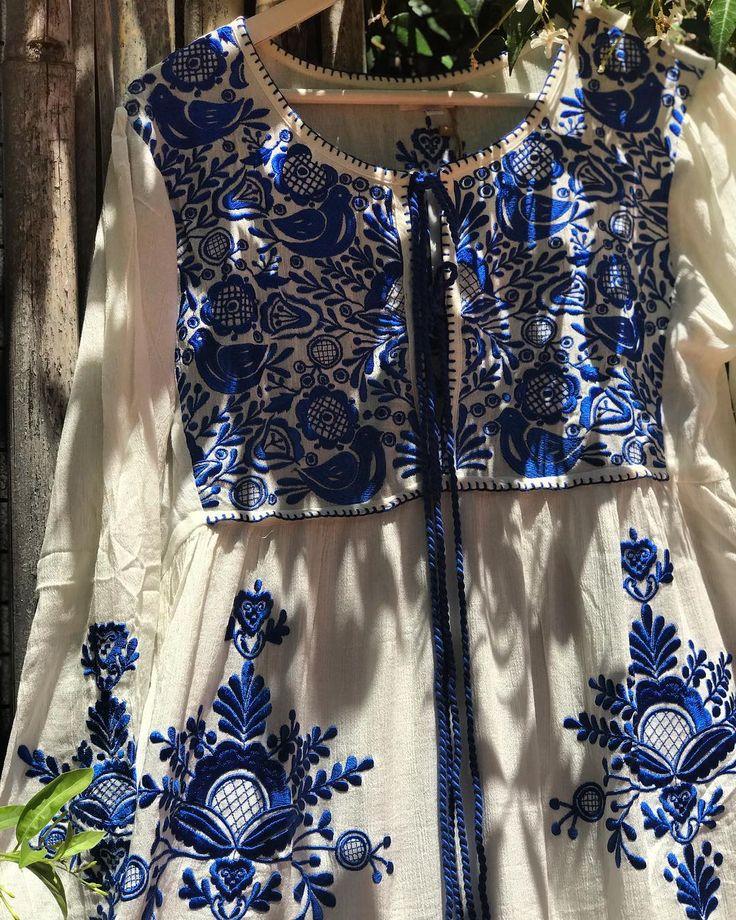 ℕℰᏇ ℐℕ ЅᏆᎾℛℰ 🌟 Vestido ℳᎽᏦᎾℕᎾЅ - íntegramente bordado: todo el frente / mangas y también espalda 😍🤗  ᎽᎯ disponible en nuestro Store ⬅️ hoy abrimos de 14 a 20 hs ⬅️🔆
