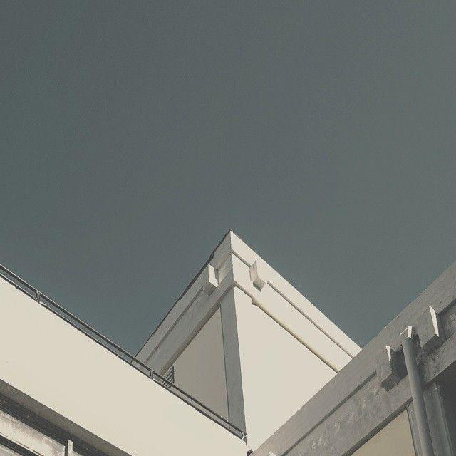 #justgoshoot #photooftheday #allshots_  #instagood #rsa_minimal #minimalmx #webstagram #ig_addict #jj_minimal #vsco  #vscoaward #ic_streetview #vscaward #ig_captures #vscolove  #vscocam #shotaward #Jj_justvzco  #streetphotography  #igersworldwide #Mobilemag #royalsnappingartists #ig_streets #Jj_justvzco #rsa_streetview_ #exklusive_shot #minimal
