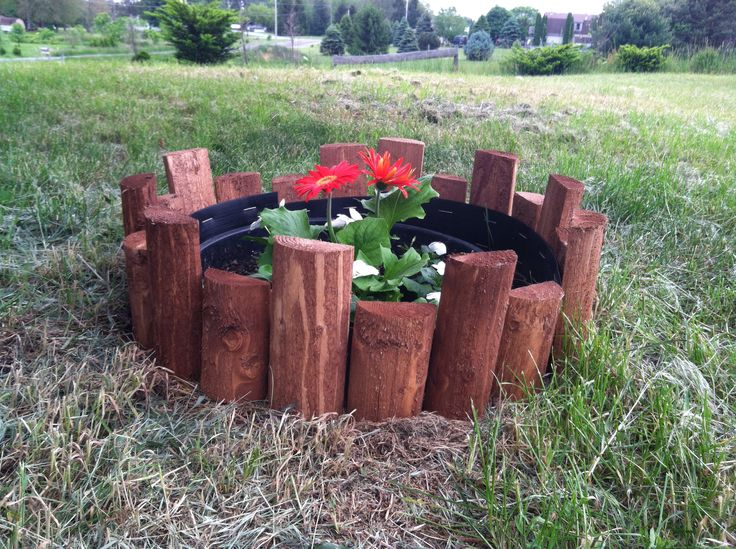 If you have an old house with a septic tank opening that's under ground, here is a crafty way to cover it up. Get a pot big enough to fit in the opening, with a top wide enough to fit over the edge. Fill it with some pretty flowers and put a boarder around it of your choosing. I chose this one. You could also do a stone boarder. It makes it safe by not having an open hole in your yard and it's pretty. Enjoy!