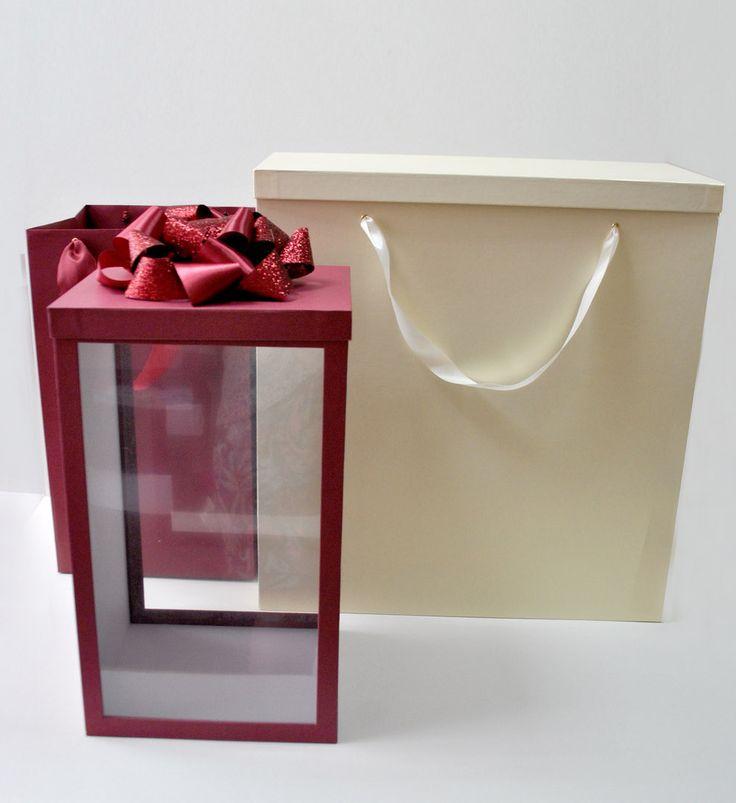 Если вы любители нестандартной упаковки или вы не можете подобрать правильный декор для вашего подарка, то вам точно к нам 😊 . 👉Отправка в любой город РФ. На фото коробка с прозрачными вставками, бантом и пакетом. Изготавливалась для свадебного подарка.  👉т. 89064068901 и 89608920698 #атмосфера34 #сюрприз #подарочныйдекор #подарочнаяупаковка #подарки#праздник #счастье #любовь #шляпнаякоробка #коробкасердце#круглаякоробка #волгоград #радость #изготовлениекоробок #подарок#наклейка…