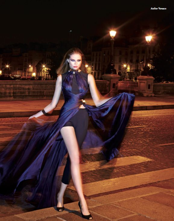 From our editorial: ONE NIGHT IN PARIS. #atelierversace @versaceofficial  #hautecouture #paris #rome #fall #winter #2014 #2015 #fashion #style #women #womenfashion #bookmoda