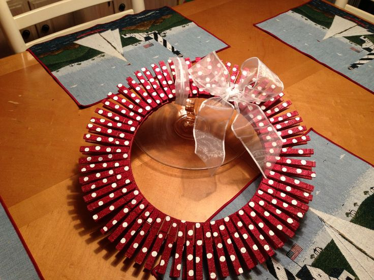 Clothespin wreath | Craft Ideas | Clothes pin wreath ...