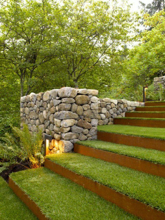 gazon artificiel pas cher pour l'escalier dans le jardin, faux gazon, tapis de fasse pelouse
