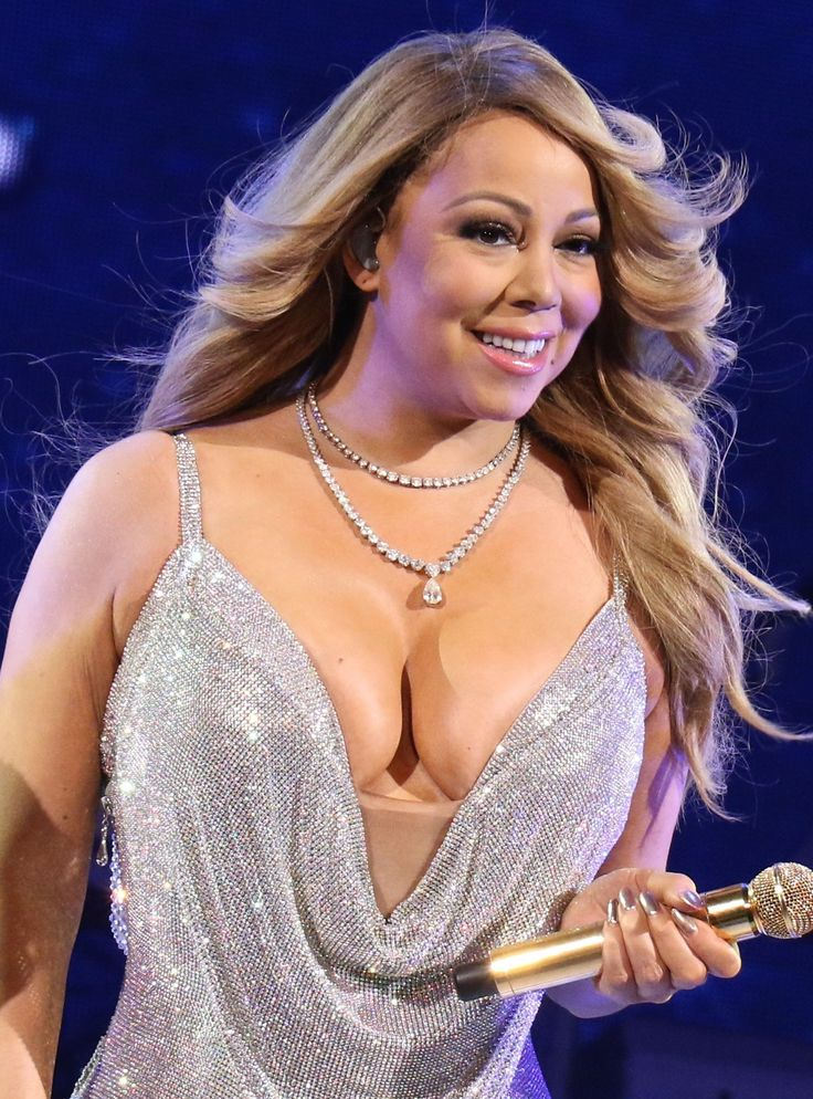 There Are Important Lessons In Mariah Carey's Diva Behavior http://r29.co/2rHeHhc