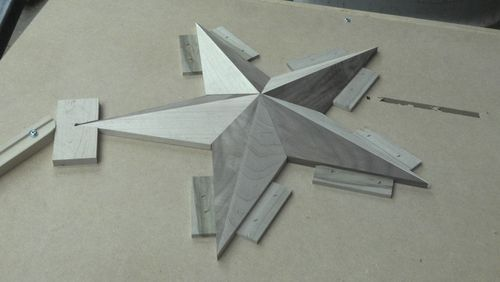 Although I don't have the tools to make this, I'd like to! Making a Texas Star - by iltws2 @ LumberJocks.com ~ woodworking community