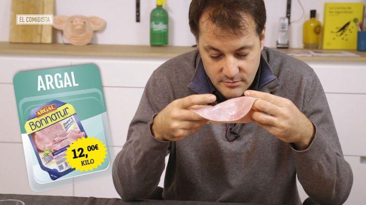 El jamón cocido está en casi todas las casas, ¿pero cuál es el mejor -y el peor- de los que se venden envasados en los supermercados? Un experto charcutero los cata a ciegas y dicta sentencia.
