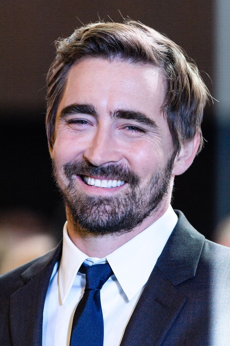 #LeePace on the green carpet at the world premiere of The Hobbit: The Battle of the Five Armies at London's Leicester Square, Dec. 1 2014.