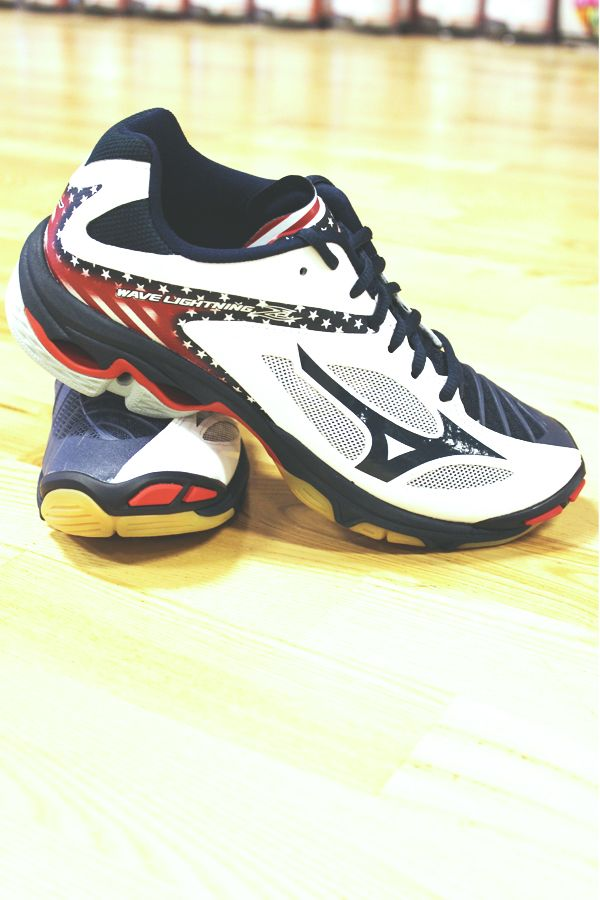 918a33038b4b Mizuno Women's Wave Lightning Z3 | Shoes | Volleyball shoes, Shoes,  Volleyball