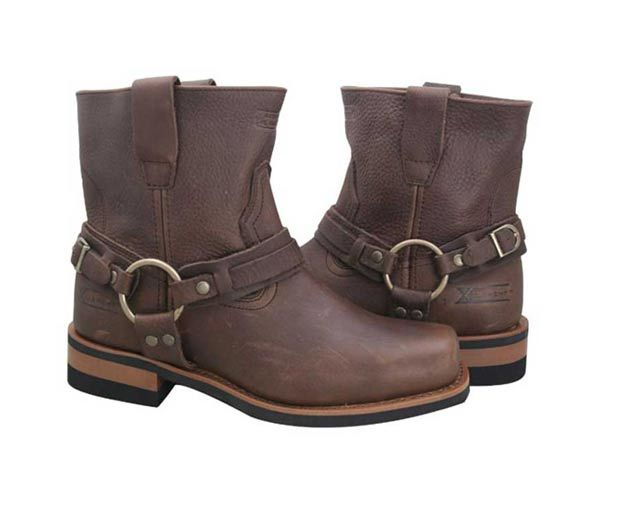 Short Brown Boots love the buckle on the sides