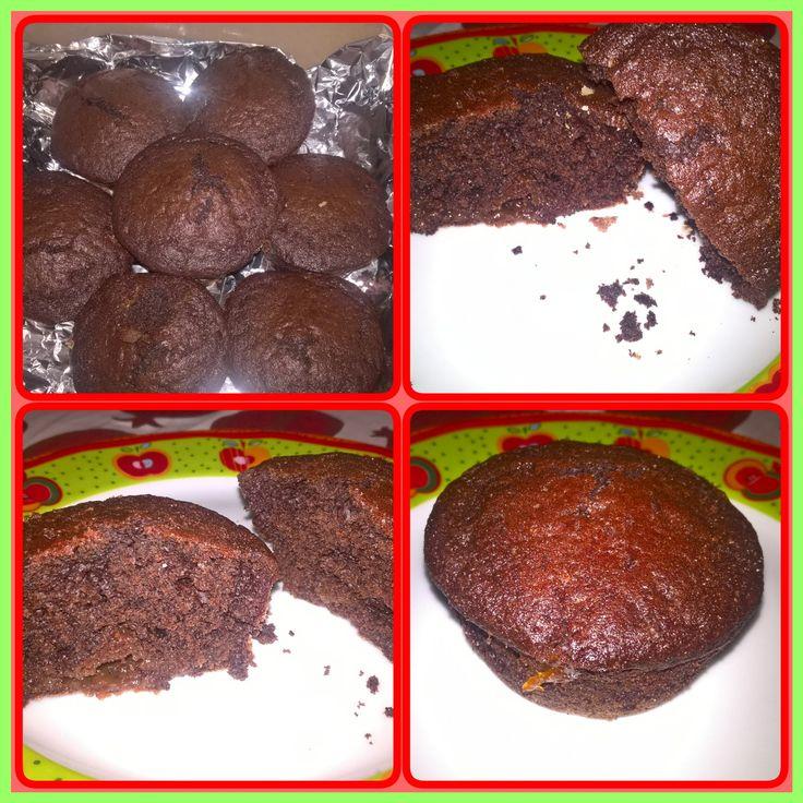 Muffin al cacao con gocce di cioccolato e marmellata di albicocche 🍑 fatti da me! 😉