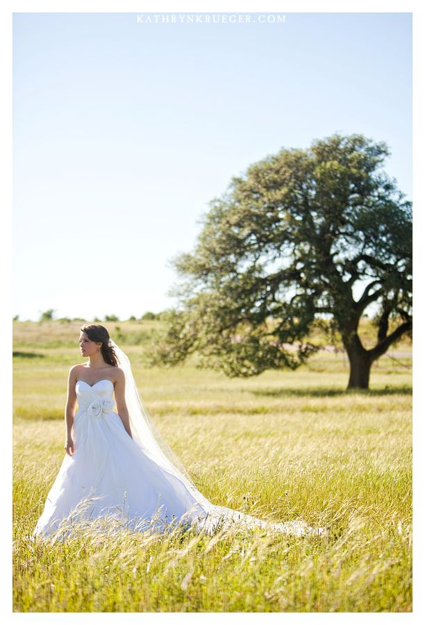 Kathryn Krueger Photography, Texas Wedding Photographer, Waco Wedding Photographer, Avery, The Vineyard at Florence, Bridal Portraits