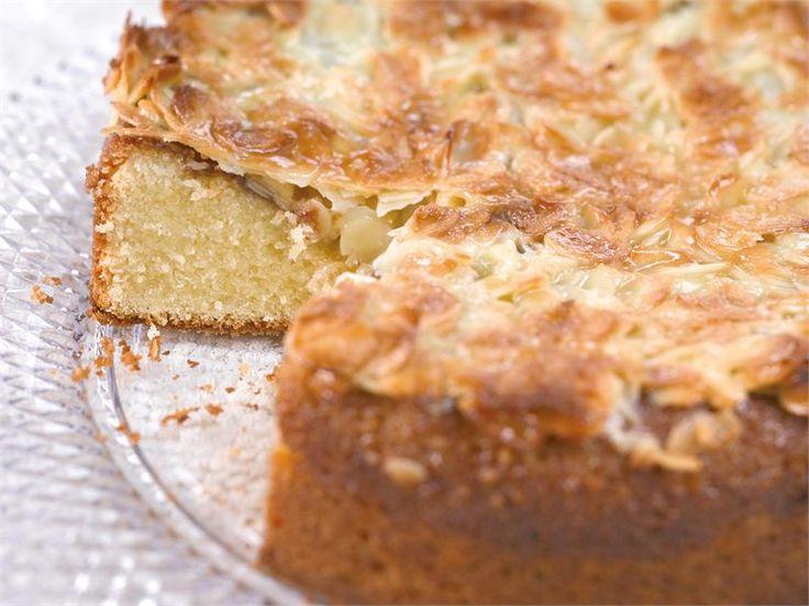 Tasavallan toscakakku on oikea Valio Koekeittiön klassikkoleivonnainen. Se sopii kahvipöytään ja moniin juhliin.