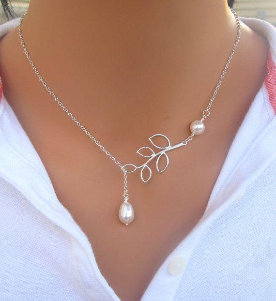 Collier de perle et de la branche en argent Sterling. Bridal. Mariage. Cadeau de demoiselles d'honneur.