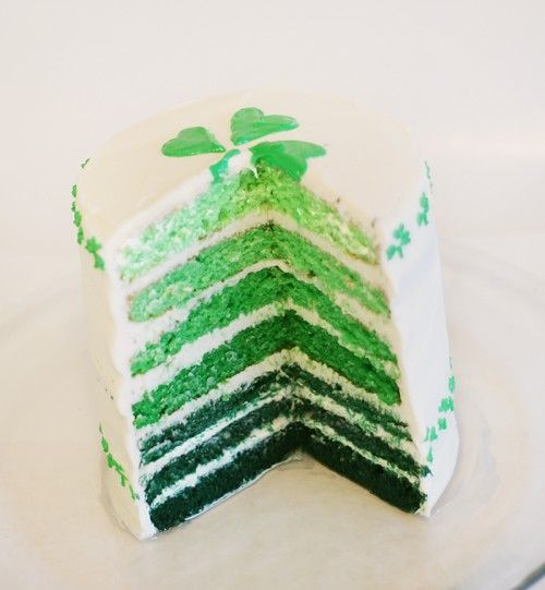 shaded cake!: Desserts, Ombre Cakes, Layered Cakes, Green Cakes, Saint Patrick'S, St. Patrick'S Day, Rainbows Cakes, St Patrick'S Day, Birthday Cakes