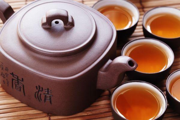 Možno niekoho trošku zarazí názov článku, ale čajom sa často nazývajú aj nápoje, ktoré s ním nemajú vôbec nič spoločné. Tak ako to s tými čajmi vlastne je?