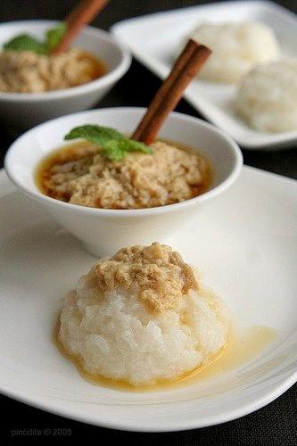 Ketan Sarikayo - Steamed Glutinous Rice and Coconut Milk Custard