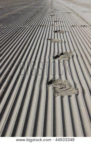 Photo : Footprints on the sand