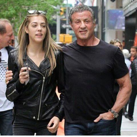 """‼️��⭐️New☝��Сильвестр Сталлоне с дочерью Систин на прогулке в Нью-Йорке. Не зря говорят, что """"боевой Рокки"""" души не чает в своих дочерях.���� И фото, сделанные папарацци, это подтверждают.☝��Листаем ⏩ -------- ✔️#silvesterstallone #fashionstyle #celebritykids #nyc#девочкитакиедевочки #мамаидочка#маминадоча#entertainmentweekly #маминарадость#новости#bestwoman #копия#звездыголливуда #знаменитости #светская#новостизвезд#showbiz #хроника#москва#россия#mamengo #celebrity #celebs #hollywood…"""