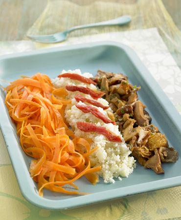 Cuscús de coliflor con zanahoria y setas
