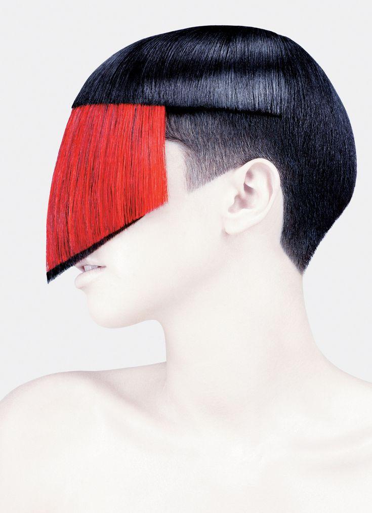 Feliz dia del peluquero a todos auqellos que aman su profesion!  Hair by Guido Palau