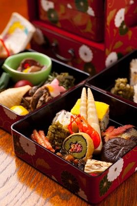 O-bento boxed lunches are both pleasing to the eye and the appetite!