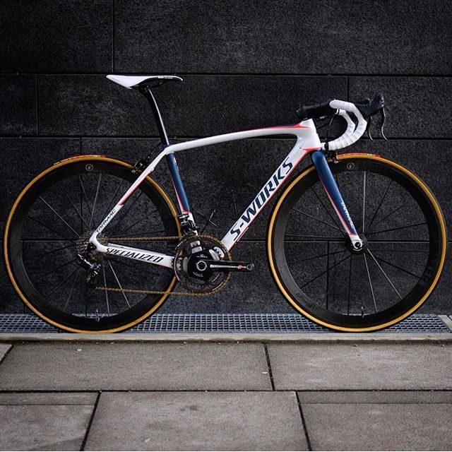 S-Works Tarmac set up   Photo Credit: @sorensensykler  #specialized #sworks #lightweight #campagnolo