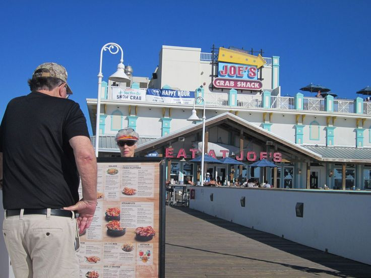 """DAYTONA BEACH- Joe's Crab Shack has begun testing a no-tipping policy at 18 locations across the country in hopes of increasing customer traffic, improving service and reducing employee turnover, but locals will need to wait to find out whether that policy will be implemented here.""""We are not currently testing that program in Daytona,"""" said Jessica Lawson, director of marketing for Ignite Restaurant Group, the Houston, Texas-based parent company of the Joe's Crab Shack chain.None of the…"""