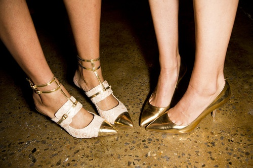 Peter Som x Tabitha Simmons spring 2013 shoes.: Spring Shoes, Peter O'Toole, Mükemmel Shoes, Fashion Spring, O Women S Shoes, My Clothes Shoes Jewelry, Peter Som Spring 2013 Shoes, Gold Shoes