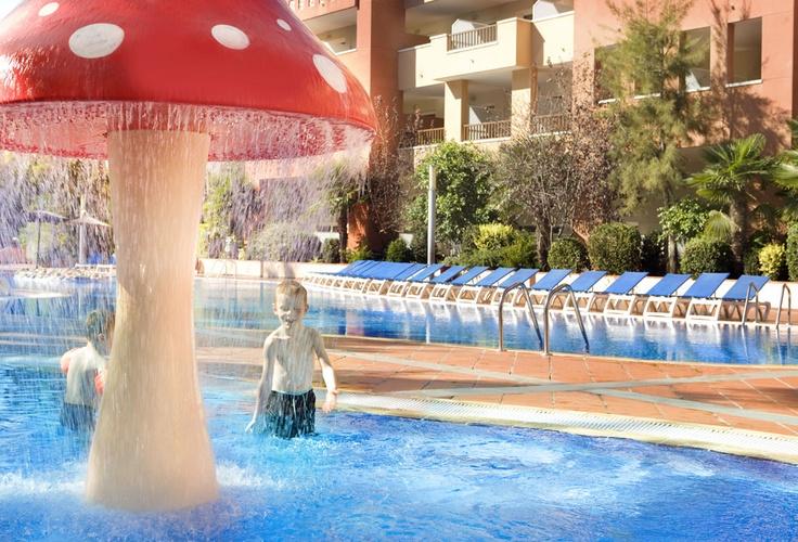 Piscina infantil #h10 #h10hotels #salou #h10mediterraneanvillage