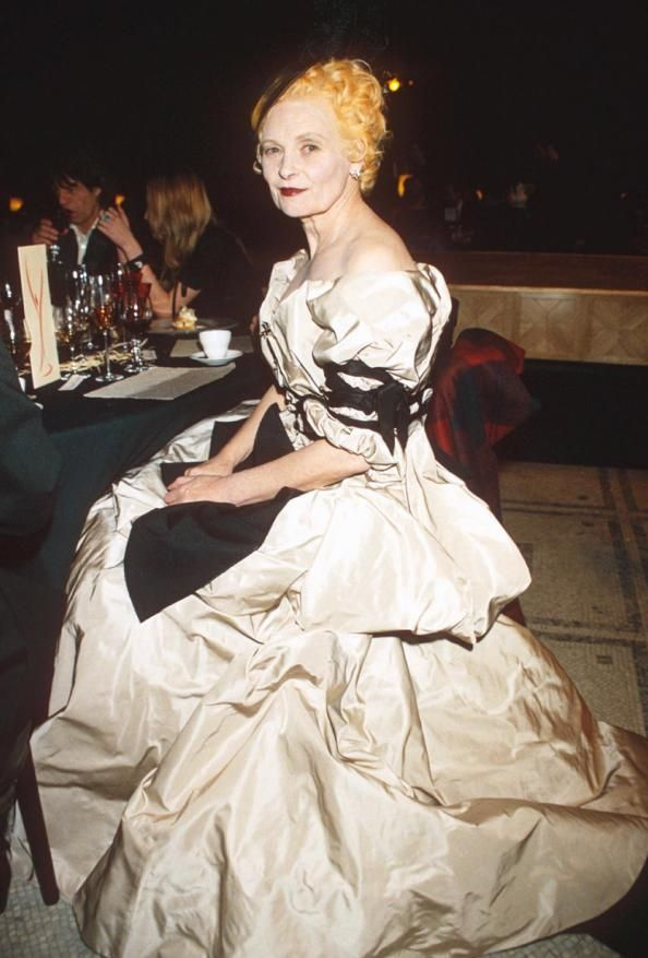 282 best vivienne westwood images on pinterest for Couture meaning in english