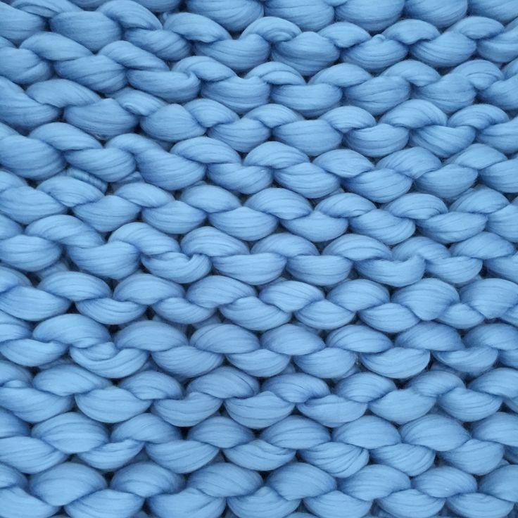Chunky blanket texture. Isn't it perfect? #ohhio #knitting ...