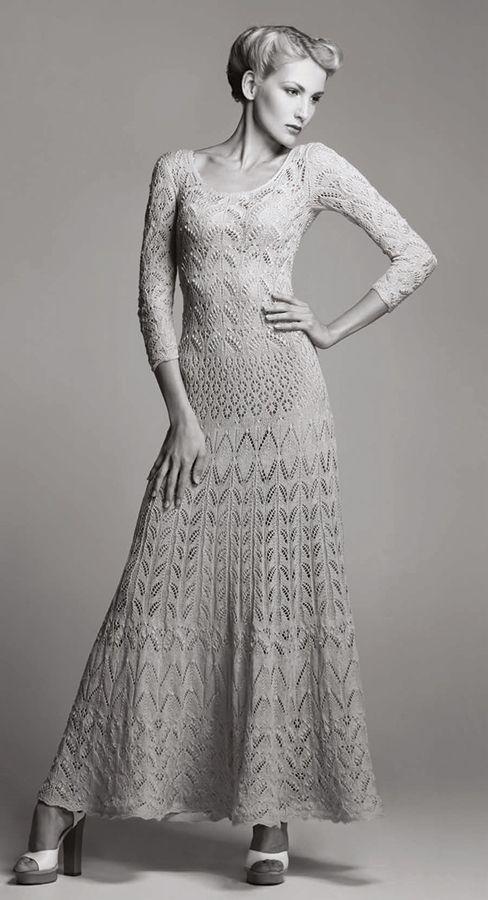 sukienka na dr. od Kristina Viirpalu