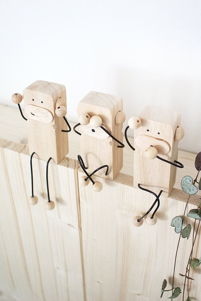 Do it yourself: Three monkeys as decoration and gift ideas made of wood and wire